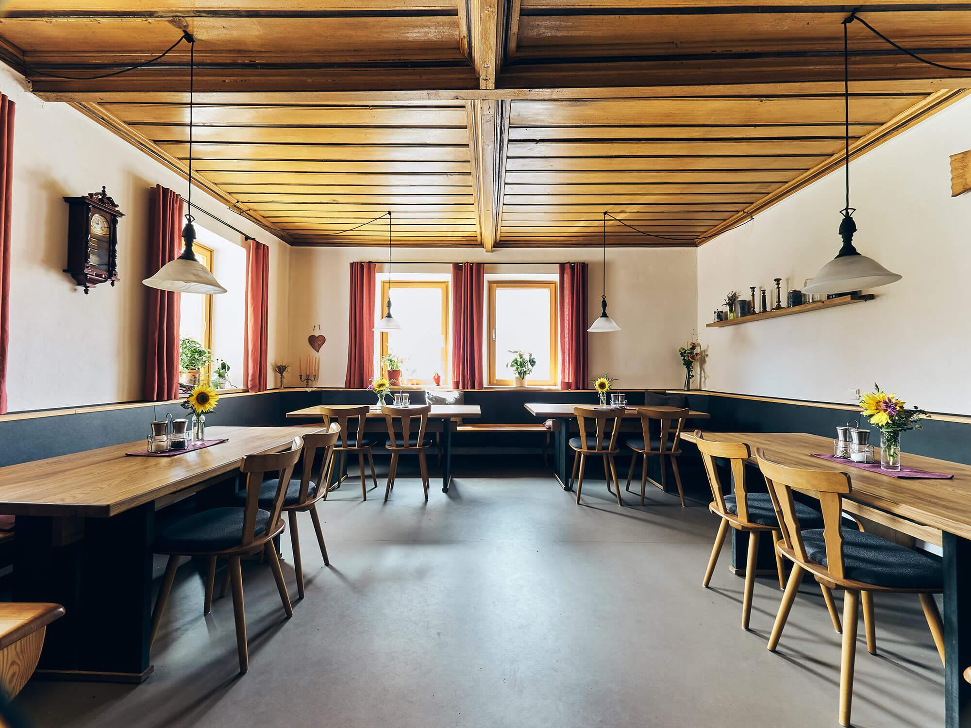 Gaststube im Bio-Gasthaus Fetz in Götteldorf